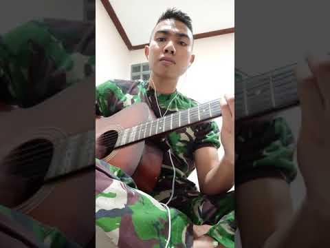 Anggota tni nyanyi lagu karya sendiri untuk mantannya