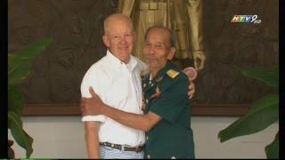 Phi công Ace Nguyễn Văn Bảy từng bắn rơi 7 máy bay Mỹ gặp lại đối thủ sau 48 năm