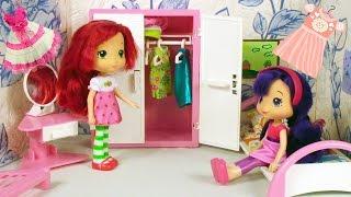 Куколки Шарлотка и Вишенка обустраивают комнату