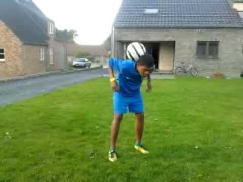 leon bailey juggling again in Genk Belgium