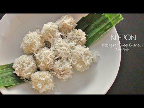 KLEPON (Indonesian Sweet Glutinous Rice Ball)