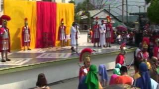 ESCENIFICAN LA PASIÓN Y MUERTE DE JESÚS  en Coatzintla 6 Abril 2012