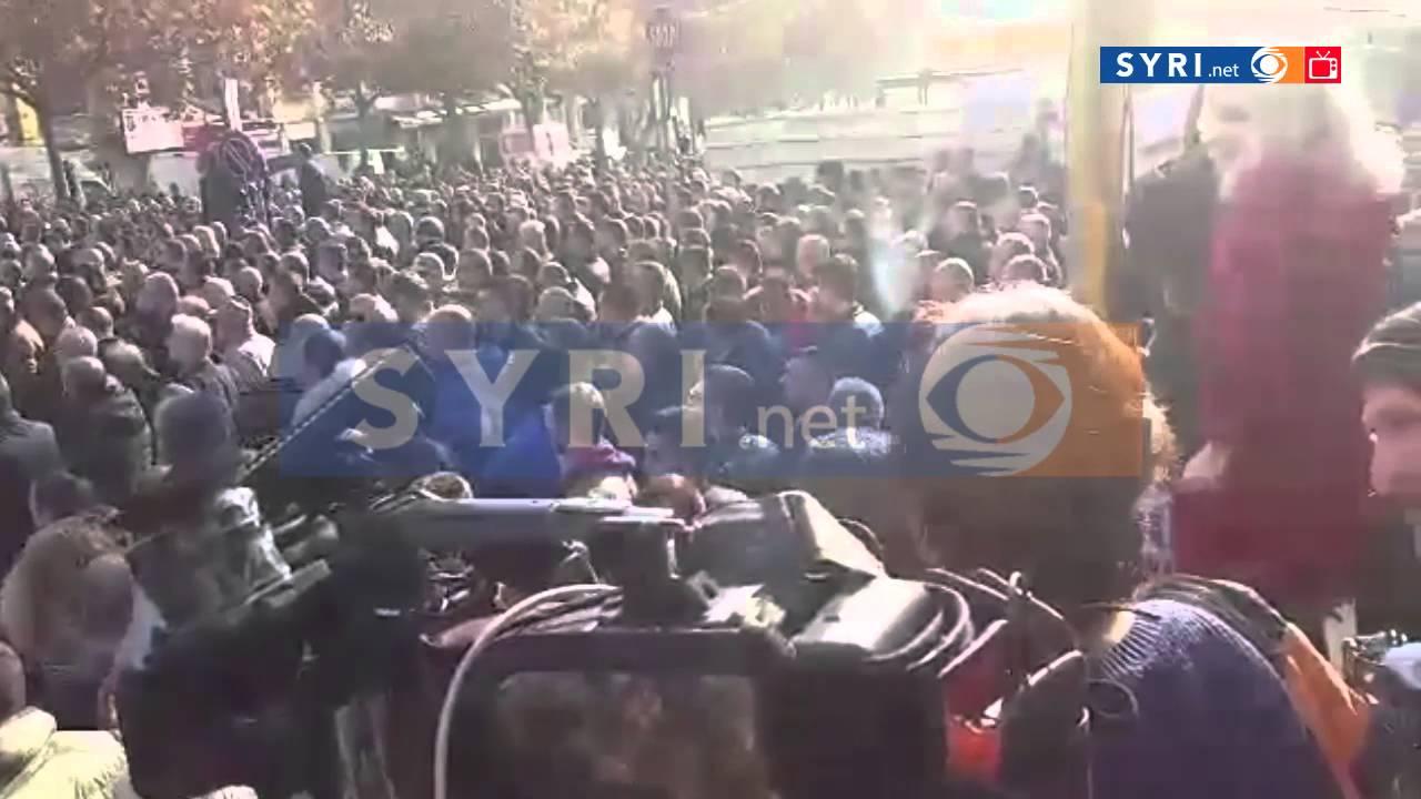 Protesta e opozites, mijera pjesemarres SYRI.net TV