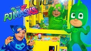 PJ Masks Gekko STUCK IN CLAW MACHINE! New PJ Mask Catboy Gekko Owlette Toys