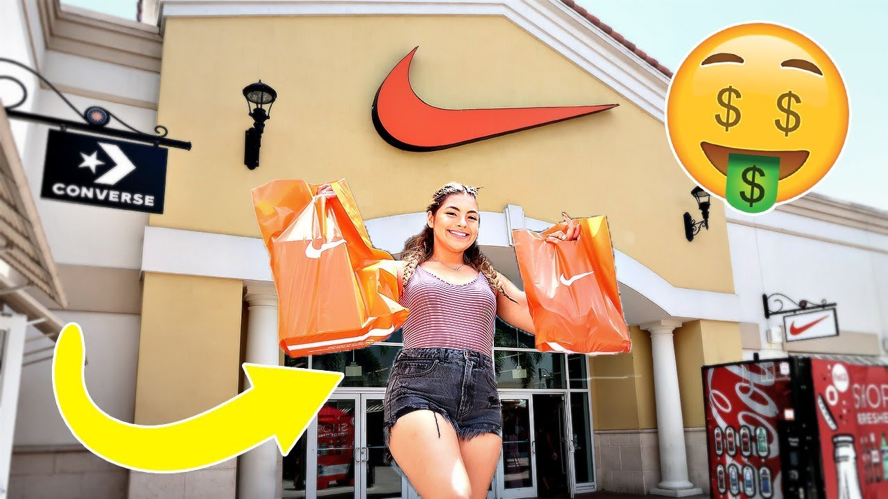 9cbed7e38cc BUY ANYTHING YOU WANT AT THE NIKE OUTLET CHALLENGE! (BACK TO SCHOOL 2018)