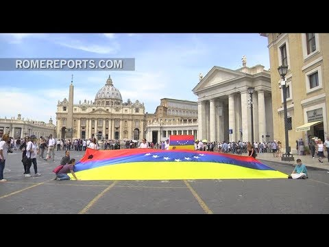 Venezuelan activists call for help in Vatican