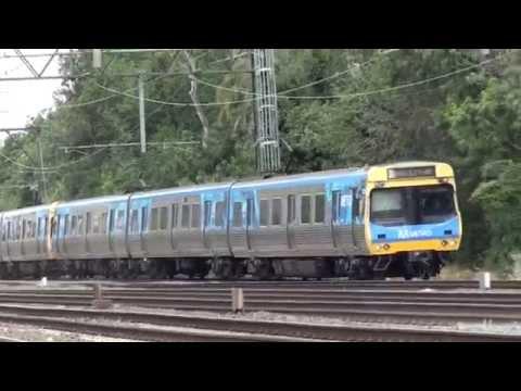 Trains on the Cremorne Railway Bridge - Melbourne Transport