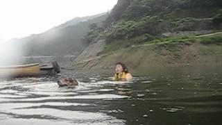 2007年7月、名栗湖で犬とカヌー教室。