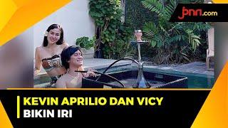 Kemesraan Kevin Aprilio dan Vicy Melanie di Kolam Renang - JPNN.com