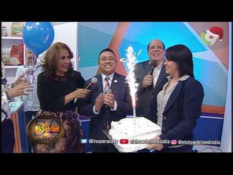 Celebrando el cumpleaños de Mayobanexescoto en El Show del Mediodía