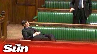 Jacob Rees-Mogg has MPs in sti…
