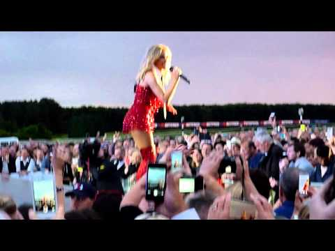 Kylie Minogue - On A Night Like This (Live - Haydock Race Course, UK, June 2015)
