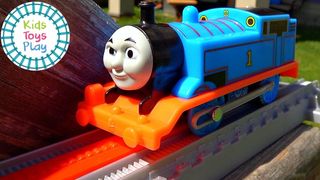 Thomas and Friends Worlds Strongest Engine Trackmaster Trainground