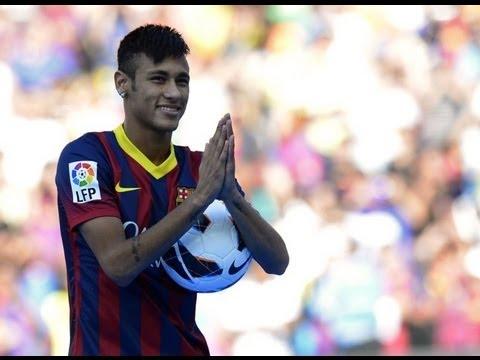 Empfang in Barcelona: Superstar Neymar im Camp Nou vorgestellt