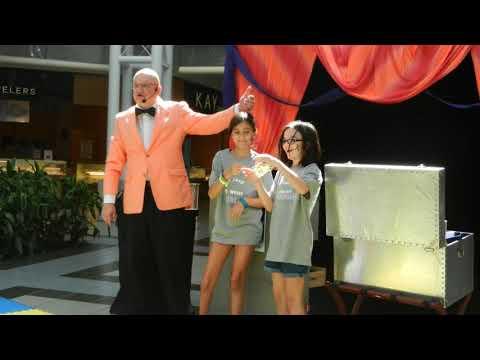 MrGoodfriend Magician Live at Music City Mall