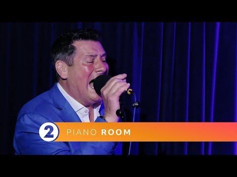 Tony Hadley - Through The Barricades (Radio 2 Piano Room session)