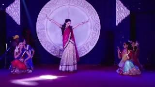 Dj wale babu mera gaana chala do, Nachan farrate, aata maaji satakli dance
