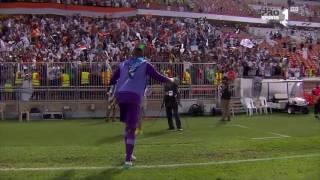 احتفال وليد عبدالله بعد الفوز على الاتحاد في الجولة 6 من دوري جميل