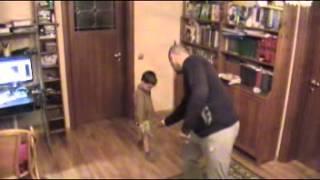 Первый урок фехтования(Микаил учит маленького Ивана фехтованию., 2013-01-05T15:38:44.000Z)