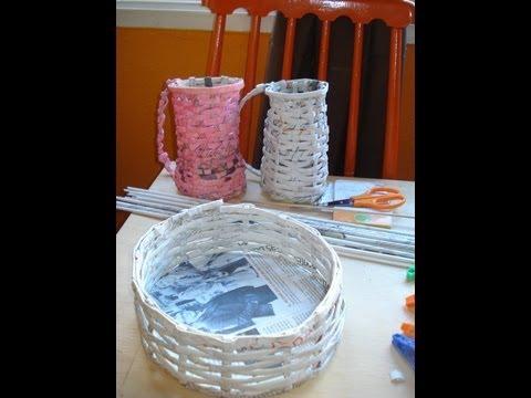 Como hacer colgante con papel de diario y flores en gom - Cestas de papel periodico ...