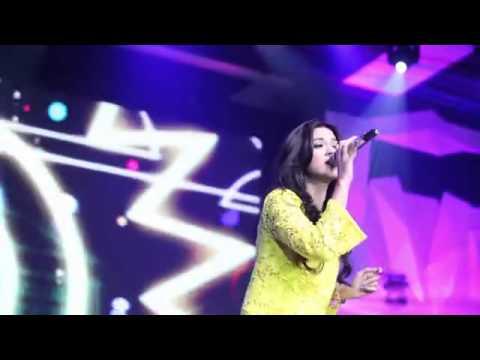 Raisa: Melangkah - Live @ Yahoo! Indonesia OMG! Awards 2013 (Yahoo Version)