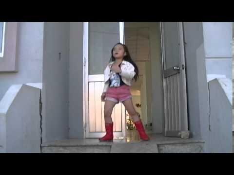 Con Bướm Xuân - bé Quỳnh Như (7 tuổi ) - đạo diễn Hà Nam