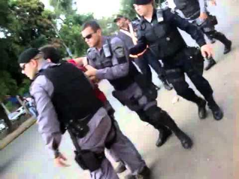 Vídeo mostra a atitude de policiais em manifestação estudantil em Cuiabá-MT
