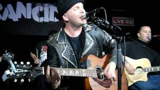 Rancid performing Who Would've Though acoustic on 07-09-09 at E'xpr...