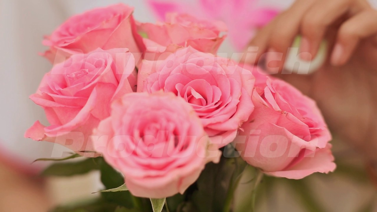 Vietnamese Girl Holding A Bouquet Of Pink Roses Youtube