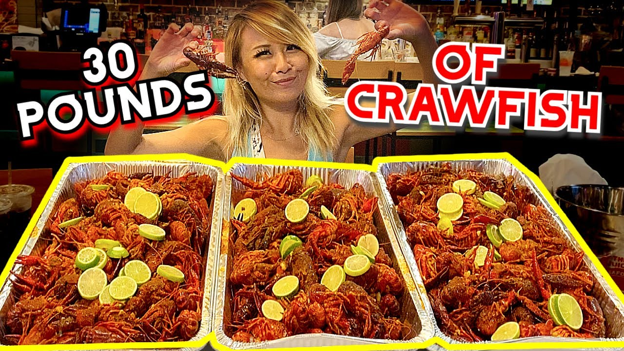 INSANE 30LBS OF CRAWFISH SEAFOOD BOIL CHALLENGE?! at The Juicy Seafood in Columbus, GA #RainaisCrazy