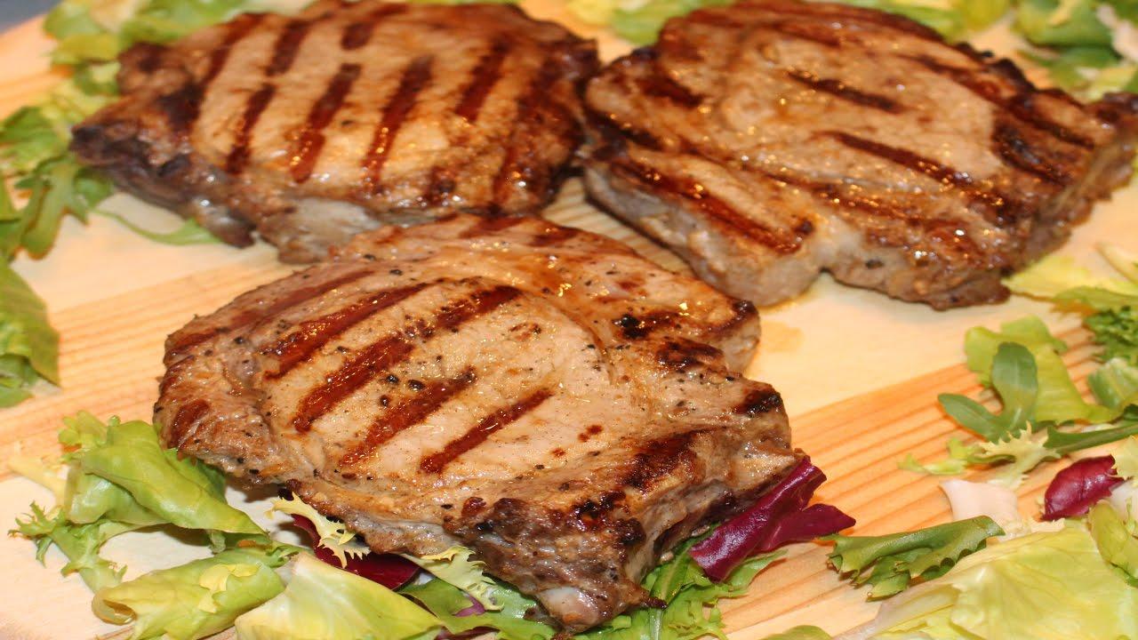 сколько жарить стейк из свинины на сковороде по времени