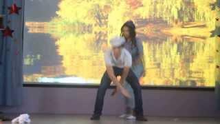 Gambar cover Назерке и Арман. Осенний бал в стиле ретро. танец.