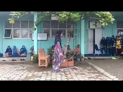 "Kampung Inggris Beringin Taluk ""Roleplay performance in MTsN Tembilahan"""
