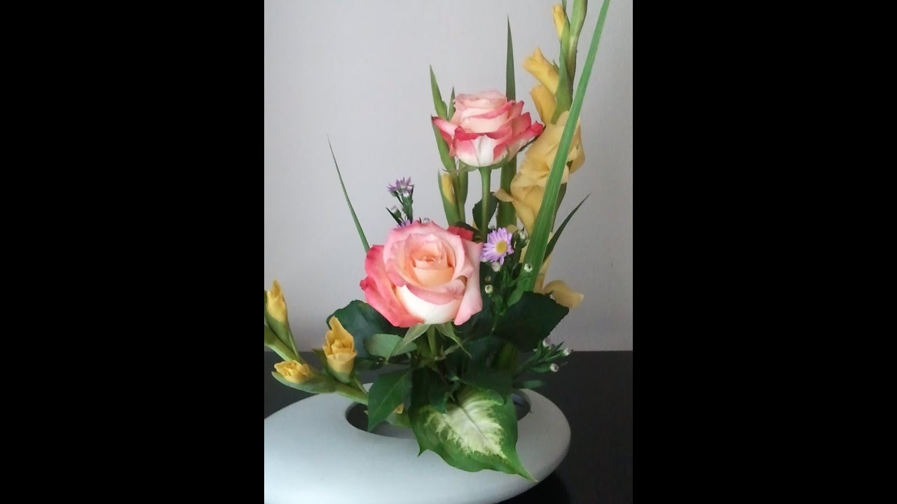 Japanese Traditional Art Of Arranging Flowers Ikebana 1 Youtube
