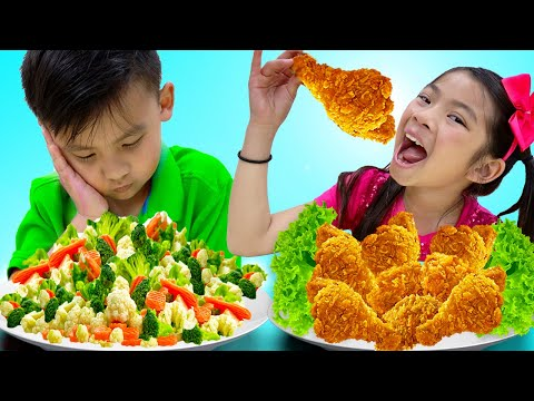 Emma and Jannie Eat and Cook Healthy Food and Fried Chicken | Funny Food Toys Video for Kids