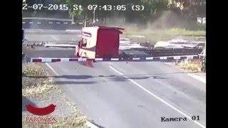 pendolino vs tir wypadek na przejeździe kolejowym w czechach