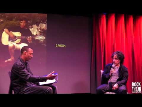 John Oates discusses memoirs with ESPN analyst Doug Glanville at SubCulture