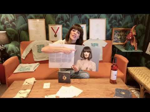 Vega - La Reina Pez (Unboxing Pre-compra y Merchandising)