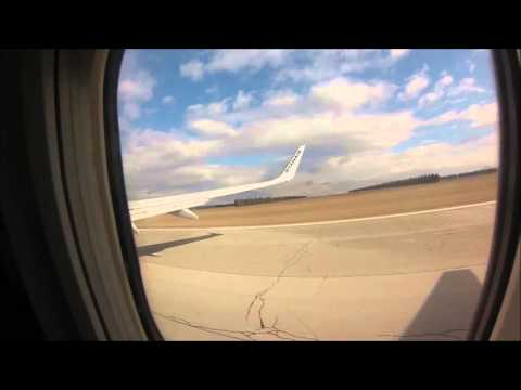 FR7962 Startup and Takeoff: Podgorica to London Stansted