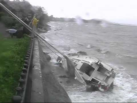 Yachts Aground in Fairlie (Updated January 2012)