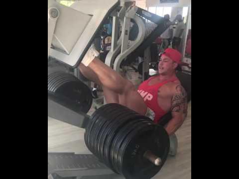 Craig Morton leg presses