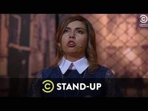 Alejandra mexicana le habla su mama pero no deja de coger - 3 part 3