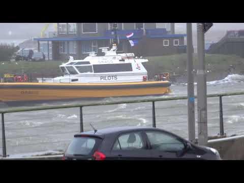 Storm in IJmuiden vanaf mijn werkplek