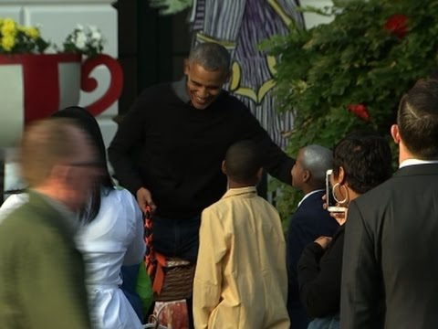 Obama's Host Final Trick-Or-Treat at White House