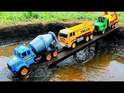 Carros Infantiles Que Chocan - Coches Y Camiones Caen Al Rio - Videos Para Niños