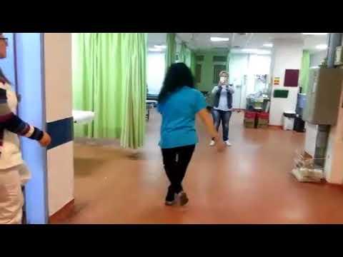 Γλέντι γιατρών και νοσηλευτών στο νοσοκομείο Μυτιλήνης (3)