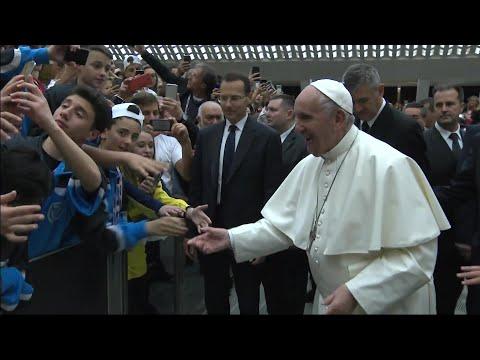 afpes: Para el papa el fútbol es el deporte más bello del mundo