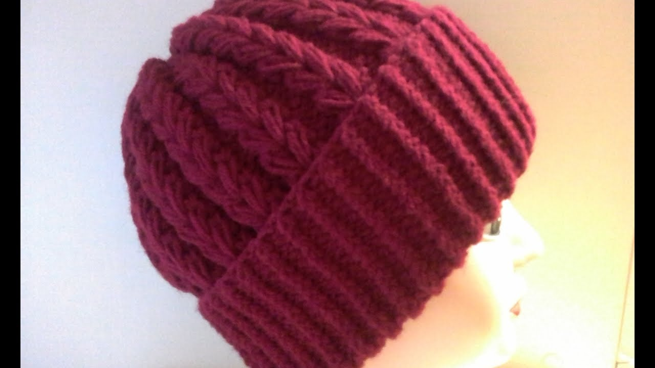 женская шапка спицами с шикарным узором бесплатный мастер класс