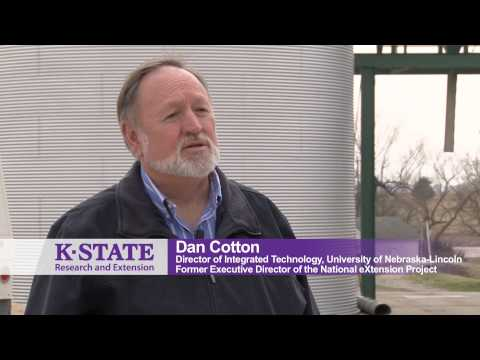 Australians visit Kansas State University to learn about eXtension