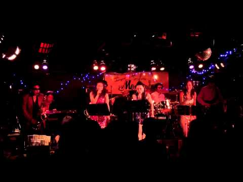 Coconuts Live at Memories 2013-11-24 2nd
